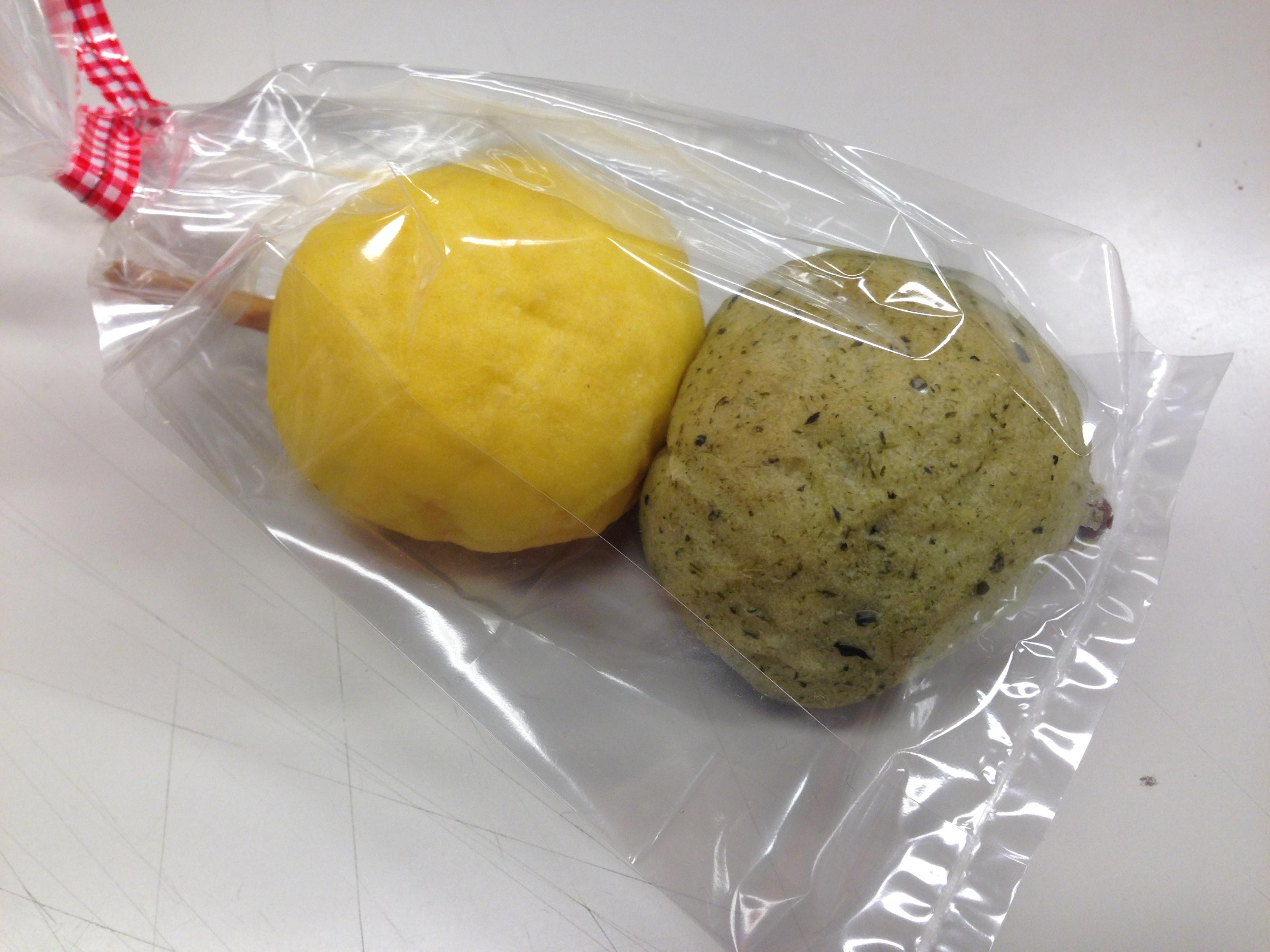 のんの、進撃の老舗和菓子店からの挑戦状を(緑茶を手に)受けてたつ