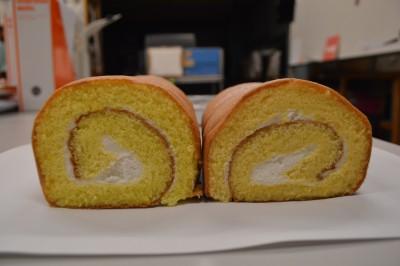 超貴重なタ●ゴを使ったロールケーキですねん