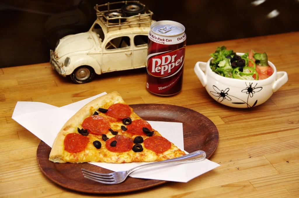 昼でもムショーに食べたくなる、あのピザをランチで!