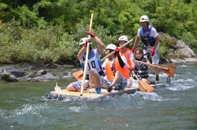8月2日(日) 今年も、あのアツい水上レースがやってくる。過去にはあわわチームも参戦! 「穴吹川 筏下り大会」