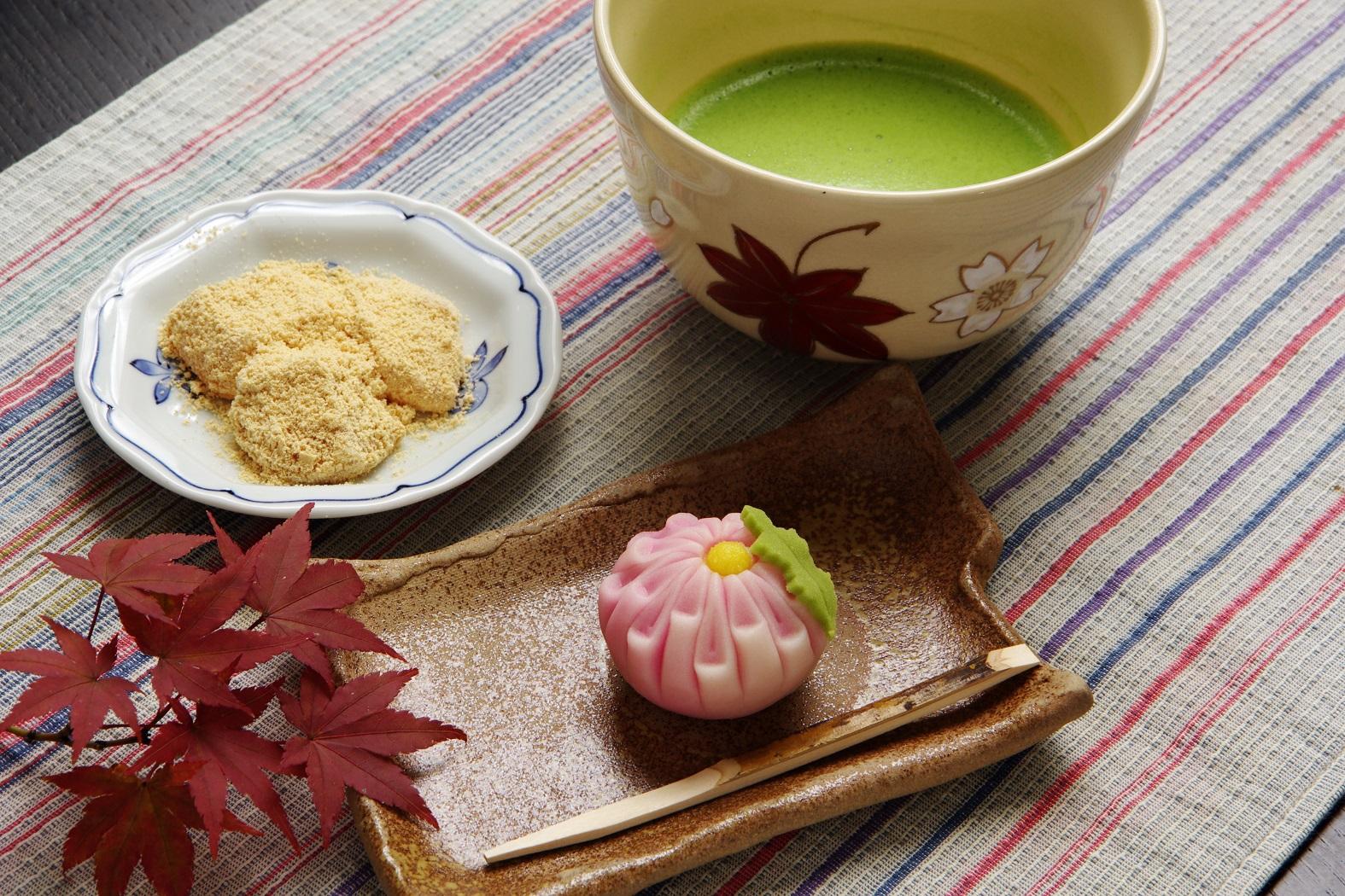 敬老の日、まだ贈るものを決めてないなら「福屋」さんで上品な和菓子を選ぼ!