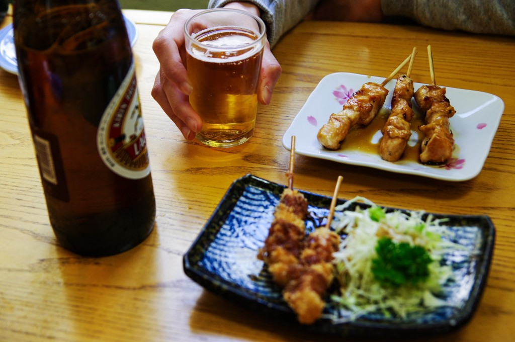 徳島駅前で朝から飲める、名酒場『安兵衛』に女ひとり昼酒しにいってみた