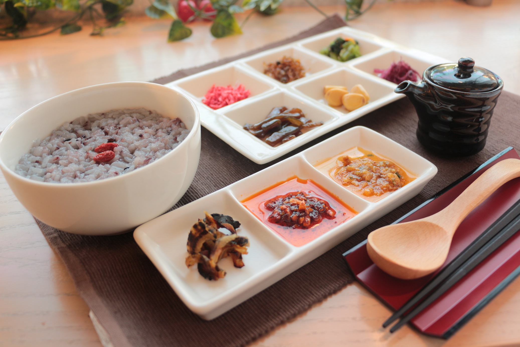 徳島で今すぐ食べられる「薬膳がゆ」を食べて、体をあたためて寒さ対策!