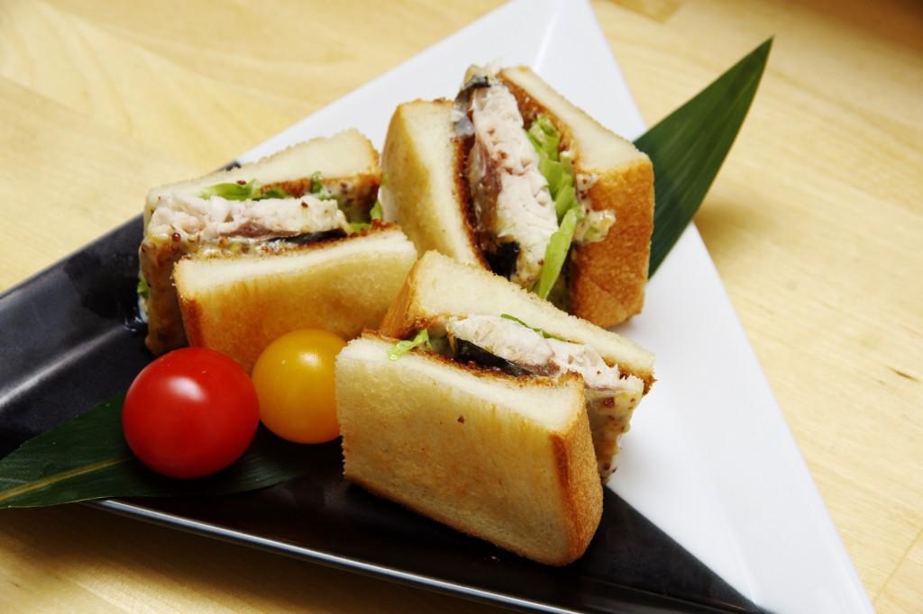 """タモリさんもハマった""""さばサンド""""の美味しさを徳島市「こなつ」で知りました"""