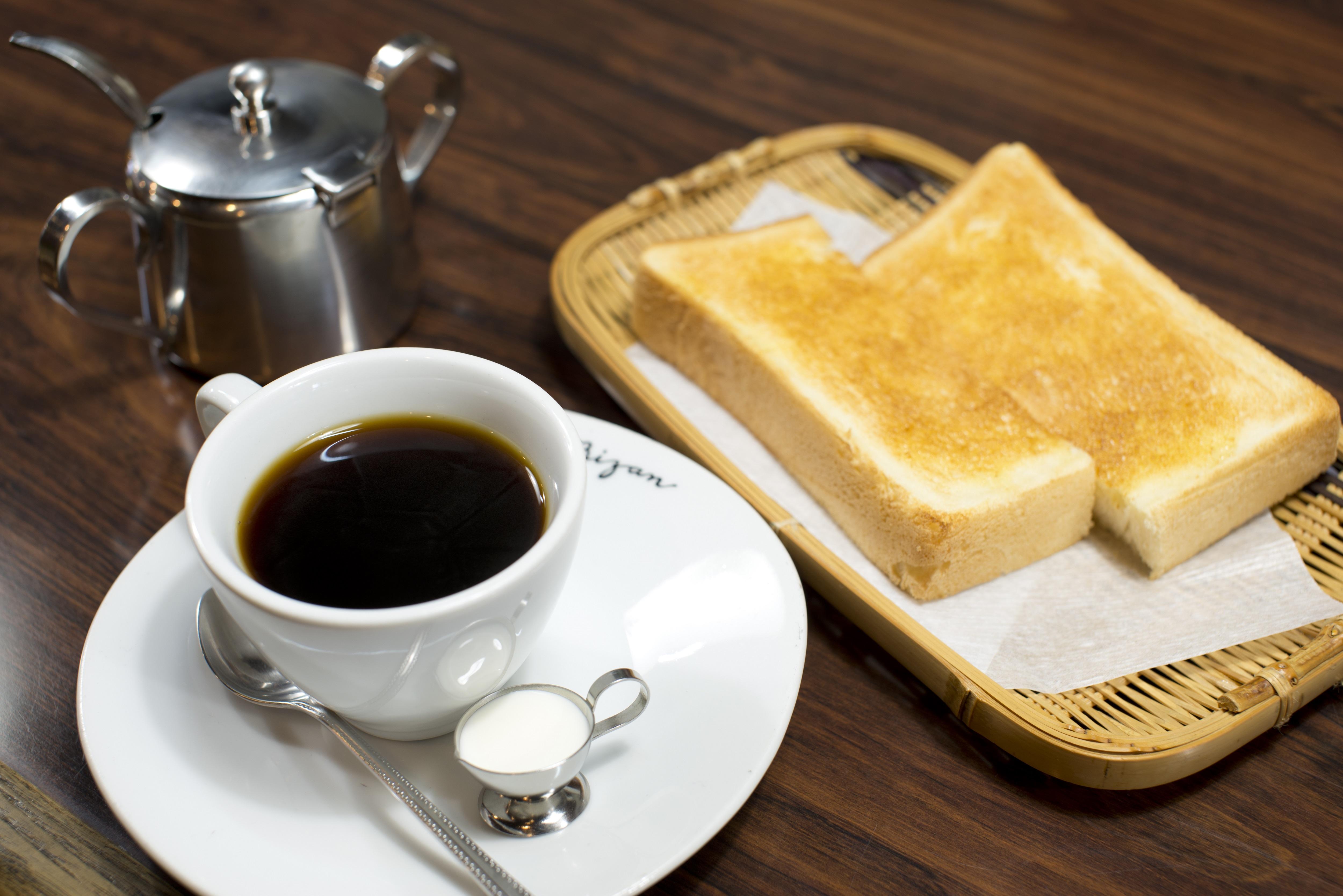 創業88年という歴史ある純喫茶での一服は、これまた格別だったという話。