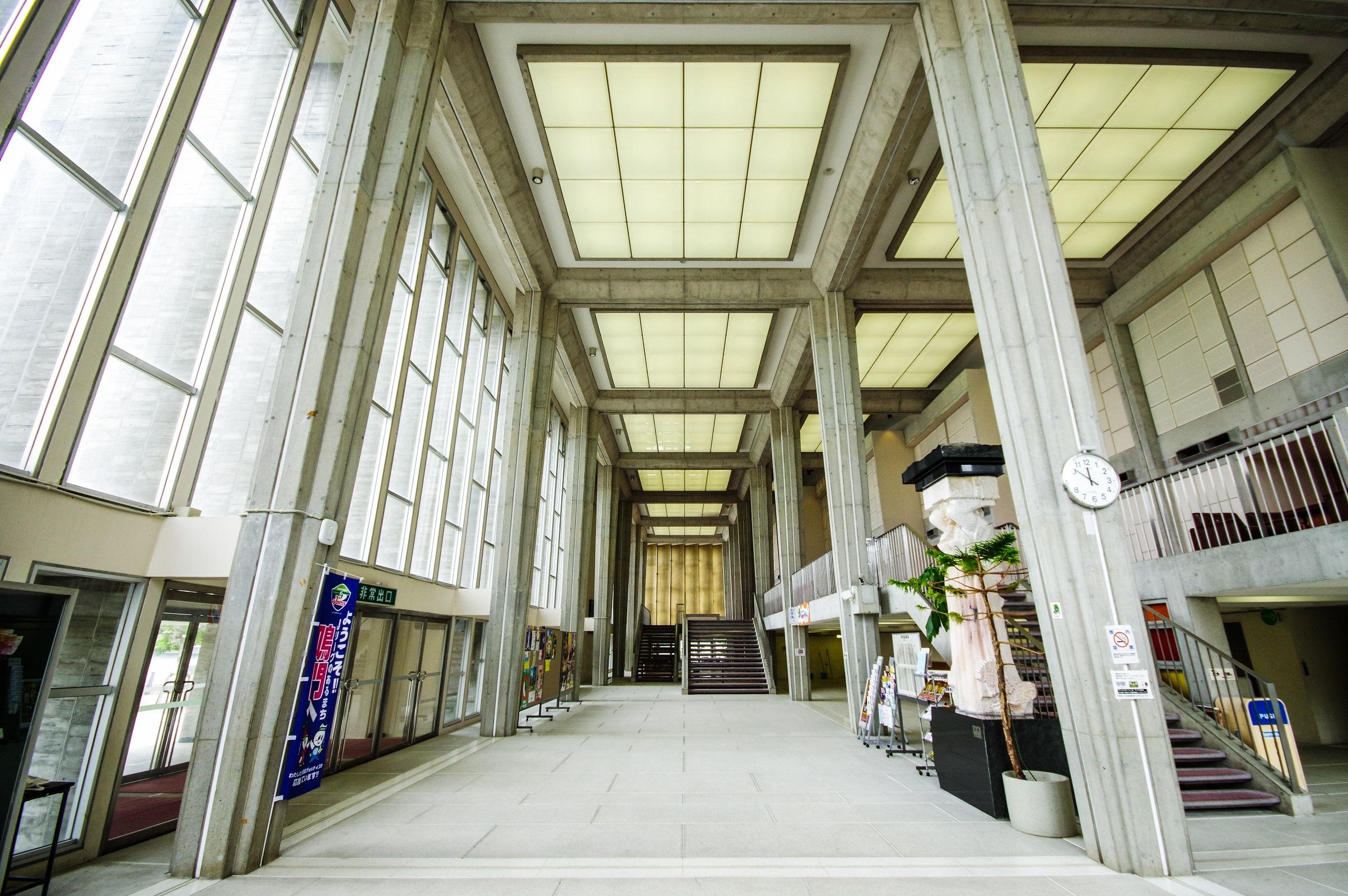 実は有名建築家の代表作「鳴門市文化会館」に行ってじっくり見てきました