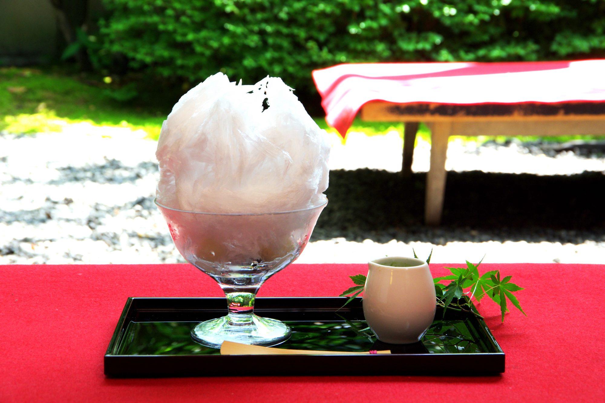 「キングオブ抹茶氷!」と、かき氷評論家も絶賛した人気和菓子店のかき氷。