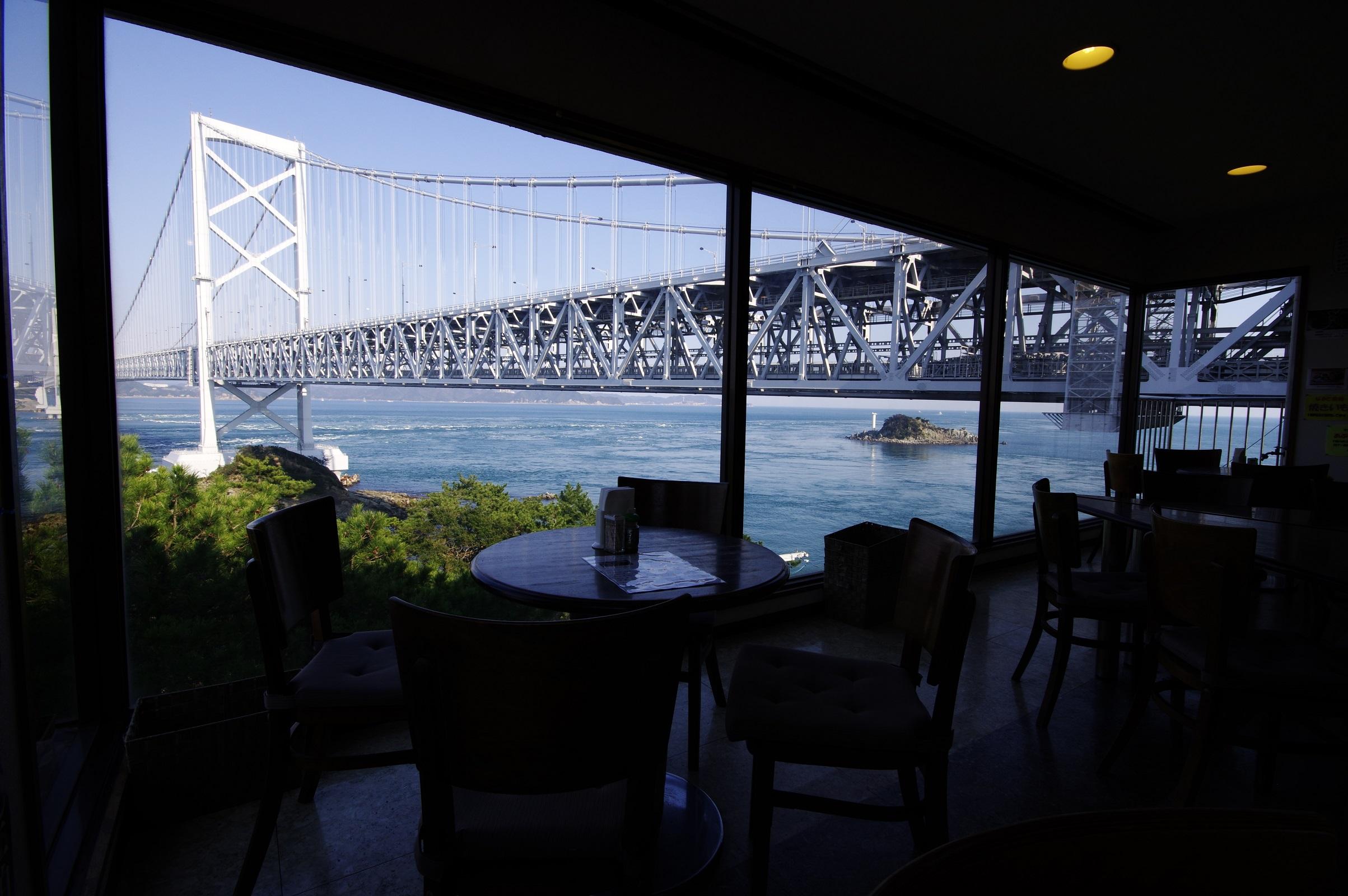 鳴門海峡とグルメが一度に楽しめる絶景スポット!「潮風」@鳴門公園