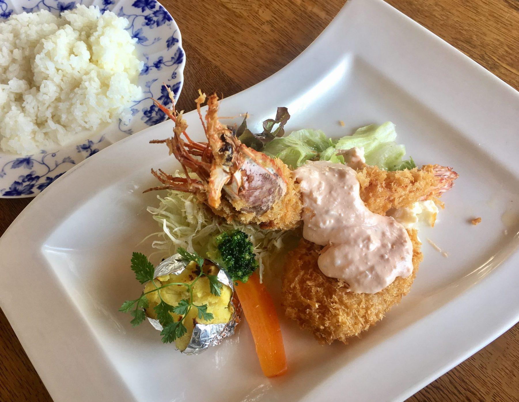 《徳島市/スピナッチ》洋食屋さんのサービスランチをご紹介!大きなプリプリエビフライにメロメロ!!