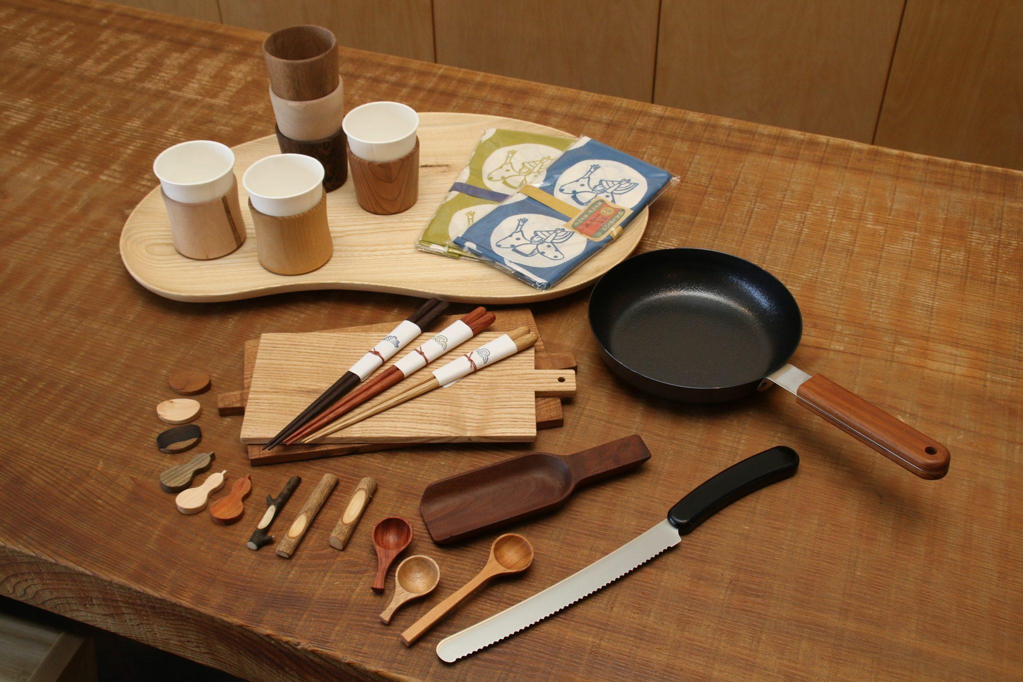 テーブルからキッチン用品まで!木のぬくもりを感じるええ感じのショップに行ってみた