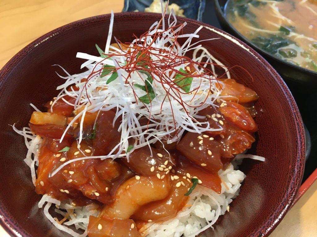《徳島市/和美彩美(わびさび)》破格のサービスランチはボリューム満点の丼で決まりです!!