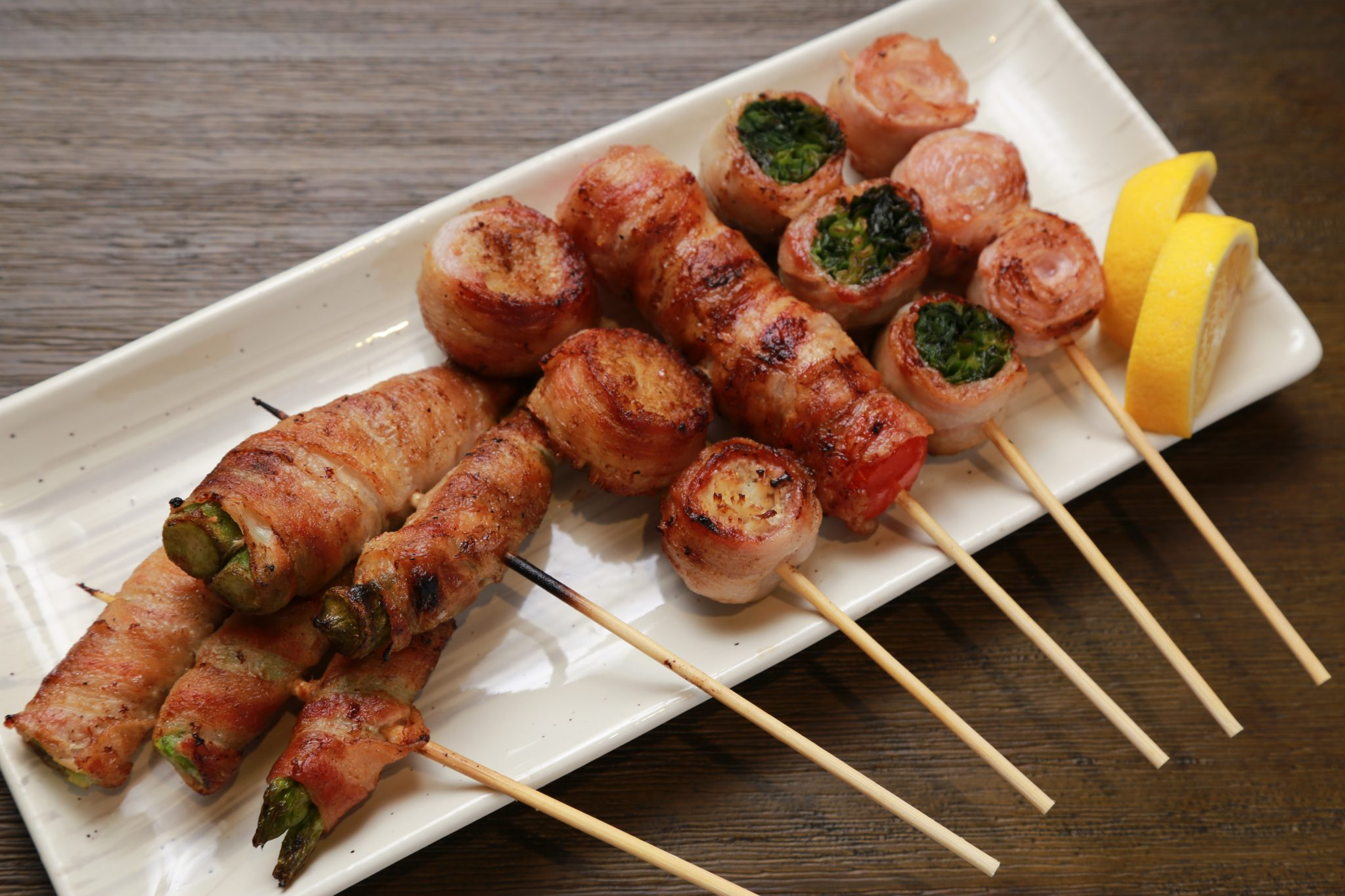 《徳島市/野菜肉巻き ふくはち》土佐備長炭で焼く野菜肉巻きにハマる
