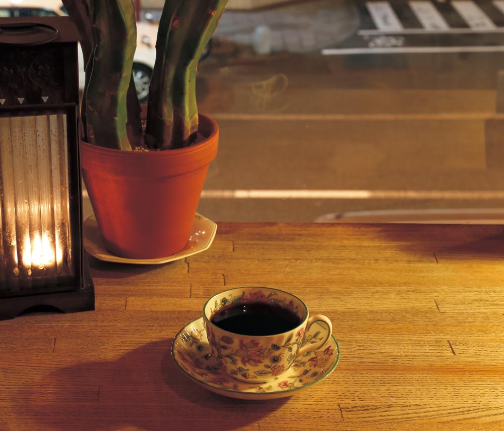 22時以降チャージなしでコーヒーが飲める店8選。徳島駅の近くで飲んだあとは、ホッとする一杯を。