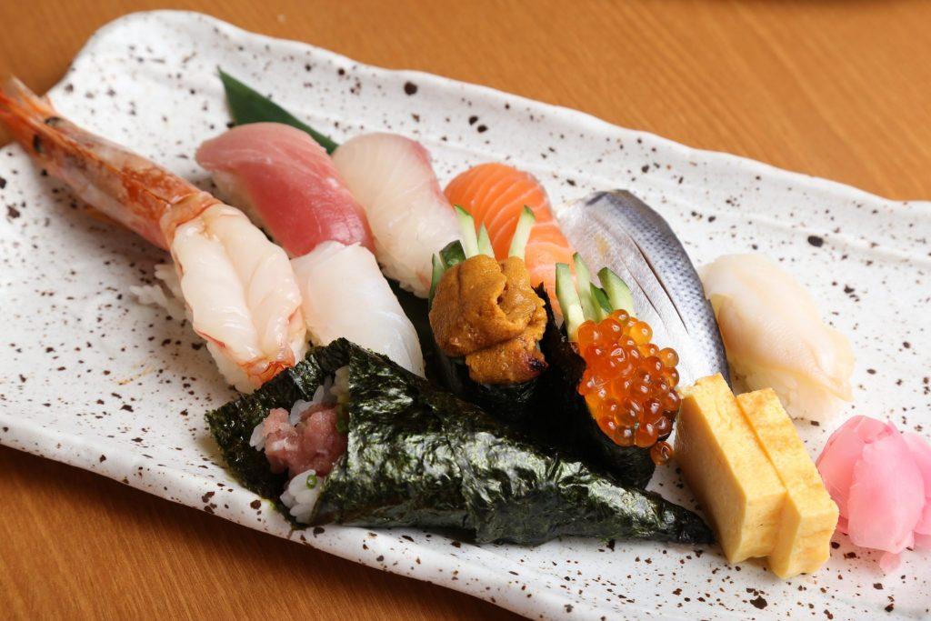《徳島市/さかなや道場(さかなやどうじょう)》お寿司をリーズナブルに! ご当地メニューもおまかせを