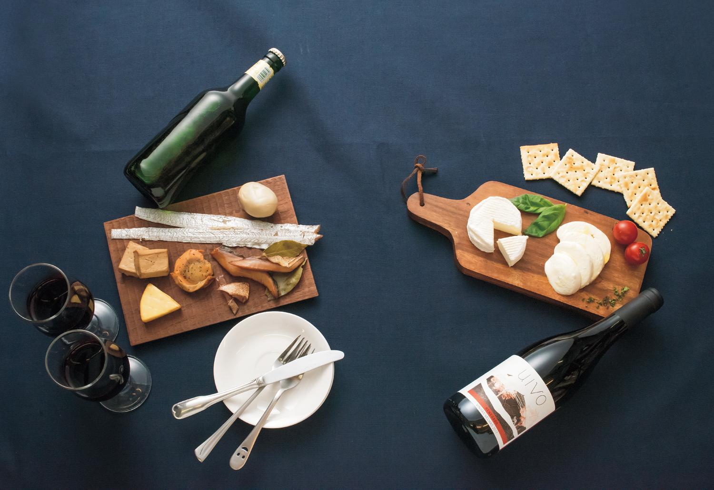 ほめられテイクアウト④燻製とチーズ編! 徳島の【大人っぽく飲みたくなる燻製とチーズのお店2選】。燻製やチーズをおつまみにお酒を味わう…そんなオトナパーティしたい人集合。