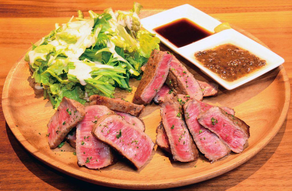 """徳島の肉グルメ9選・まとめ! 2月9日""""ニクの日""""はすぐそこ。焼き肉、ステーキ、焼き鳥、しゃぶしゃぶ…どんと来~いこい、恋だって叶えようニクの日に。肉食婚活『I LOVE 牛コン』で♪"""