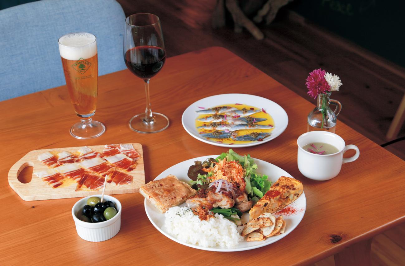 徳島で昼飲みが楽しいカフェ4選・まとめ。カフェでお酒って、ちょっとオシャレ! 居酒屋とは違う雰囲気で昼からほろ酔いの休日はいかが? 自分へのご褒美、女子会、デートにもぴったり。
