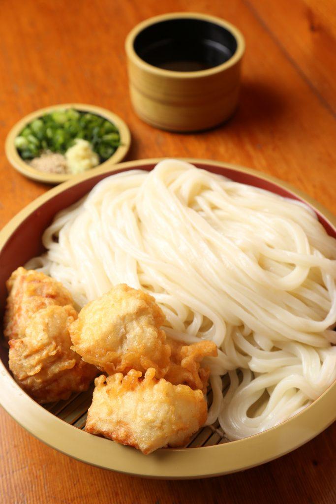 《小松島市/讃岐うどん しろちゃん》やわらかさとコシを両立した、つややかな麺に自信あり