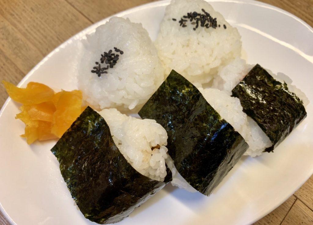 《徳島市/しげる》飲みにも食事にもおすすめな、ほどけるような食感のおむすびに衝撃!