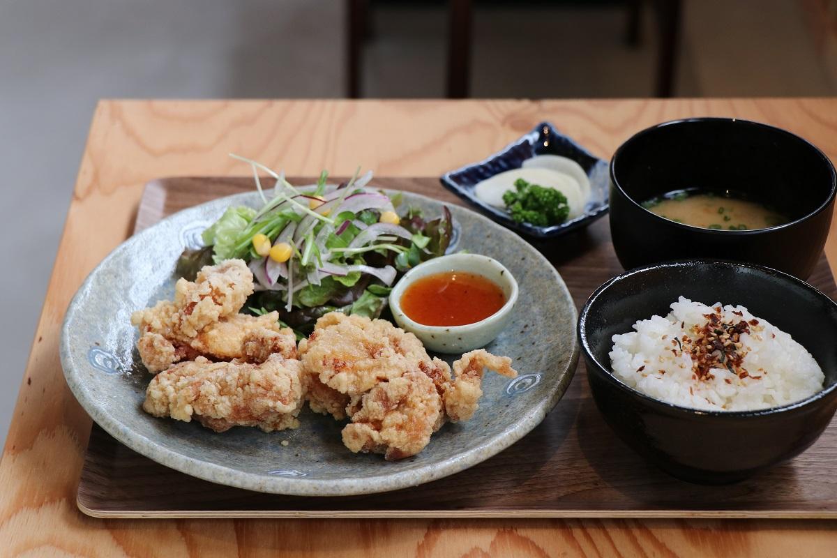 《神山町/めし処 萬や 山びこ》なにかと話題の町にできた新食堂は、親子にうれしいお店なんです!