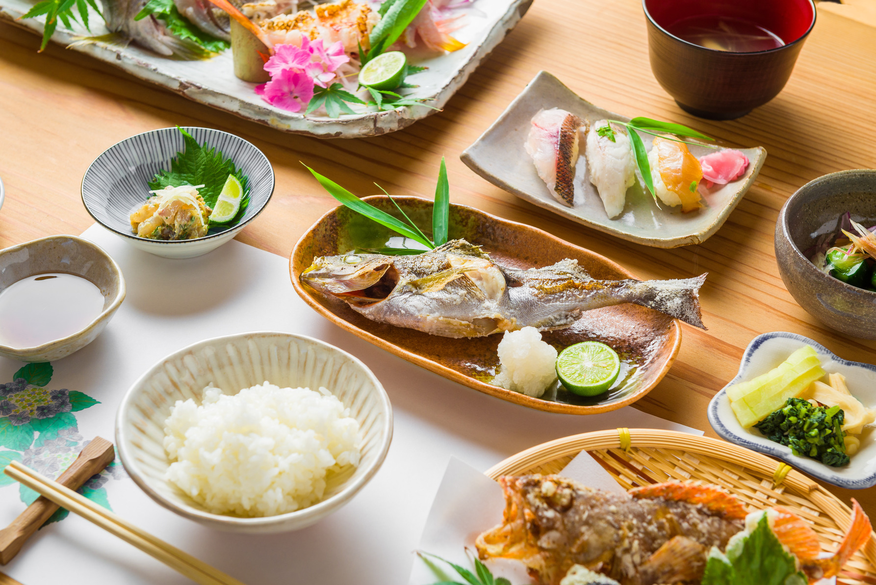 《阿南市/民宿 あたらしや》泊まらなくても食べられる宿めし。衝撃のプリプリ食感! 鮮度抜群の魚介の宝庫