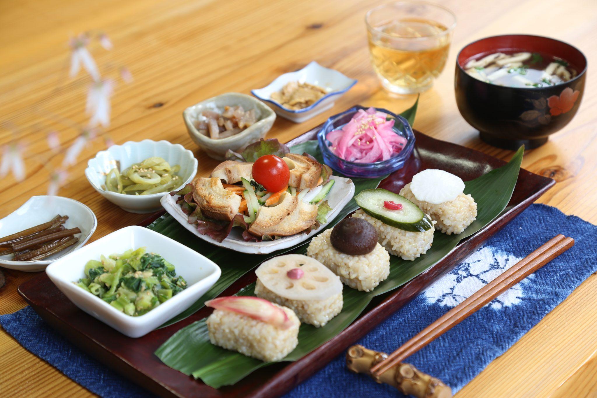 《吉野川市/農家民宿&レストラン きのこの里》泊まらなくても食べられる宿めし。ヘルシーで見目麗しい美郷流マクロビオティック御膳