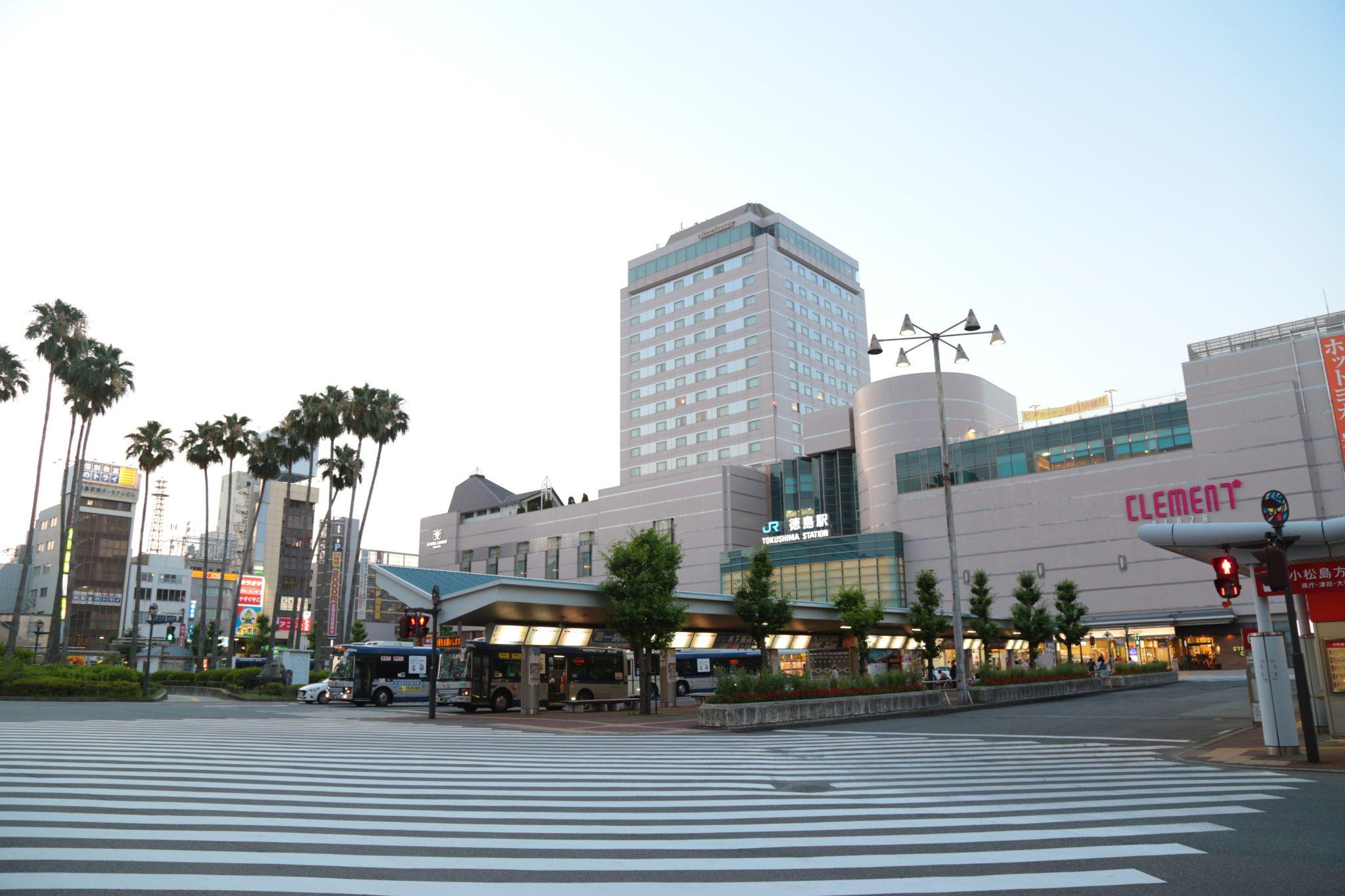 《徳島駅周辺/グルメ・パトロール》飲食店が集中する、魅惑の路地(とくさん~チュチュチュロスカフェ編)