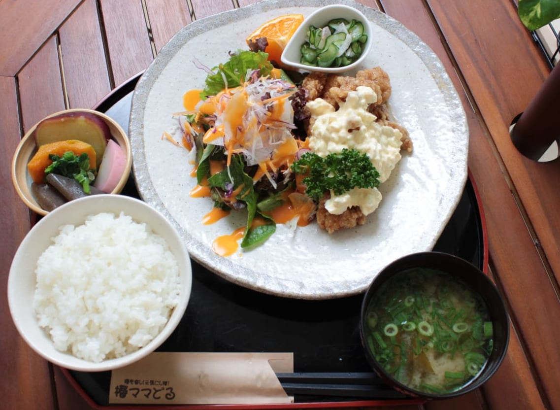 《椿町/キッチンマルシェ椿》オフクロの味にほっこり!徳島最東端で地元ごはん!