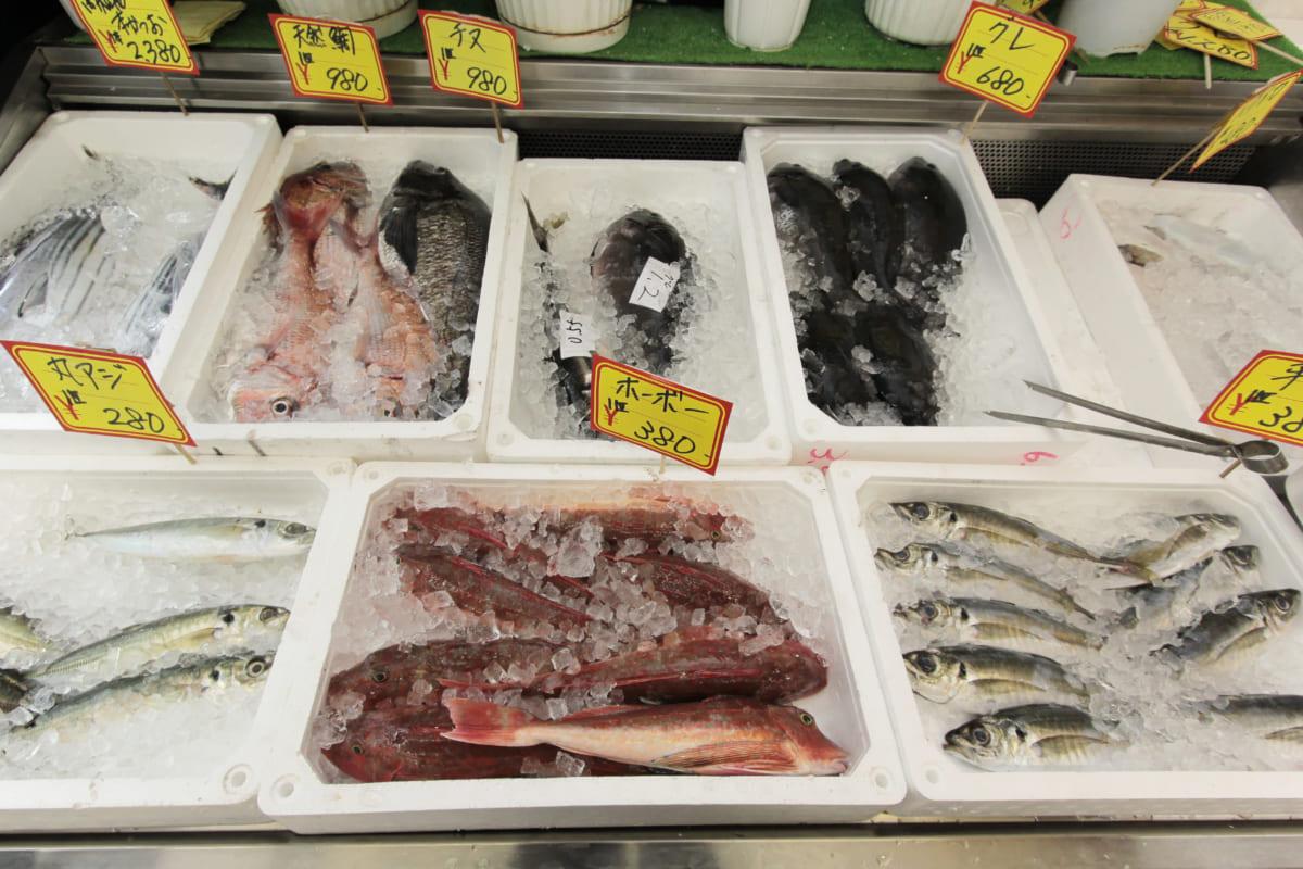 那賀町/山間部の台所『福永鮮魚店』!自慢の刺身、飛ぶように売れる魅惑の焼き鳥も要チェック!